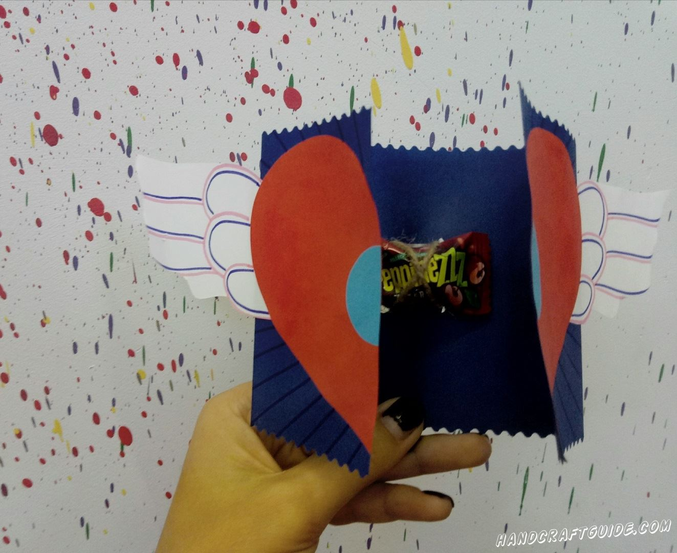 открытка для подарка с сюрпризом на день влюблённых