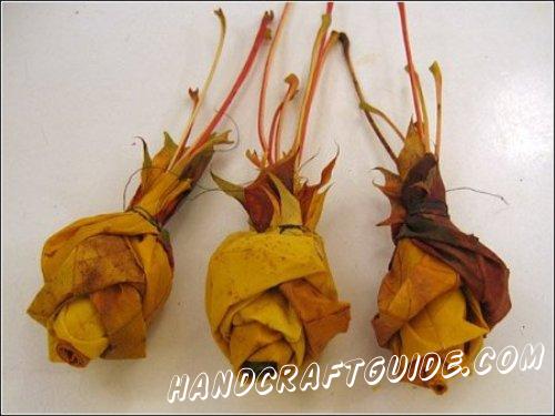 три розы своими руками из осенних листьев
