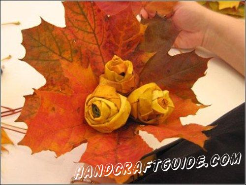 подарочный букет роз своими руками из осенних листьев