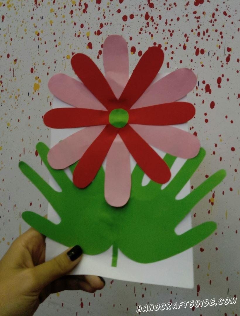 Прямо сейчас мы научимся делать замечательный цветочек из цветной бумаги, вместе!
