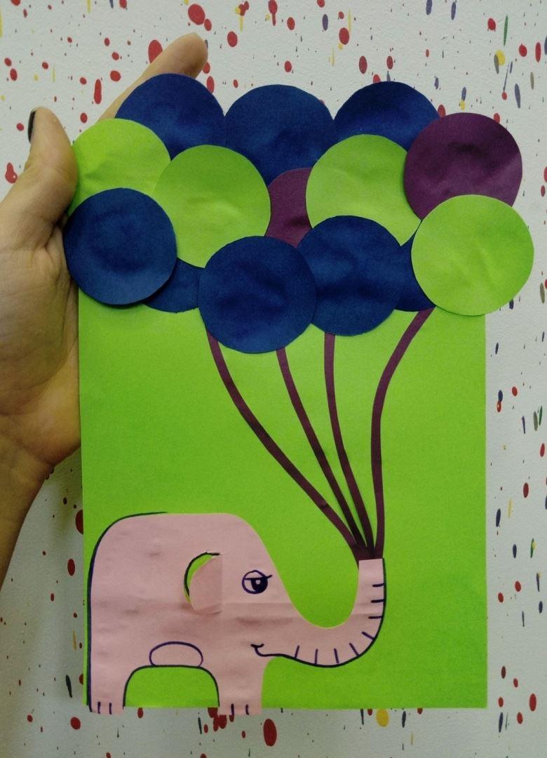 Этот слоник из бумаги несёт шарики на ваш праздник!
