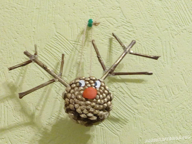 С этой замечательной новогодней игрушкой из шишки, наша ёлочка будет самой красивой.
