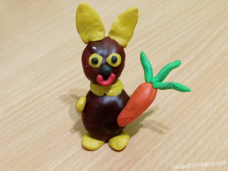 Зайчик из каштана и пластилина станет отличным дополнением в вашу коллекцию игрушек.