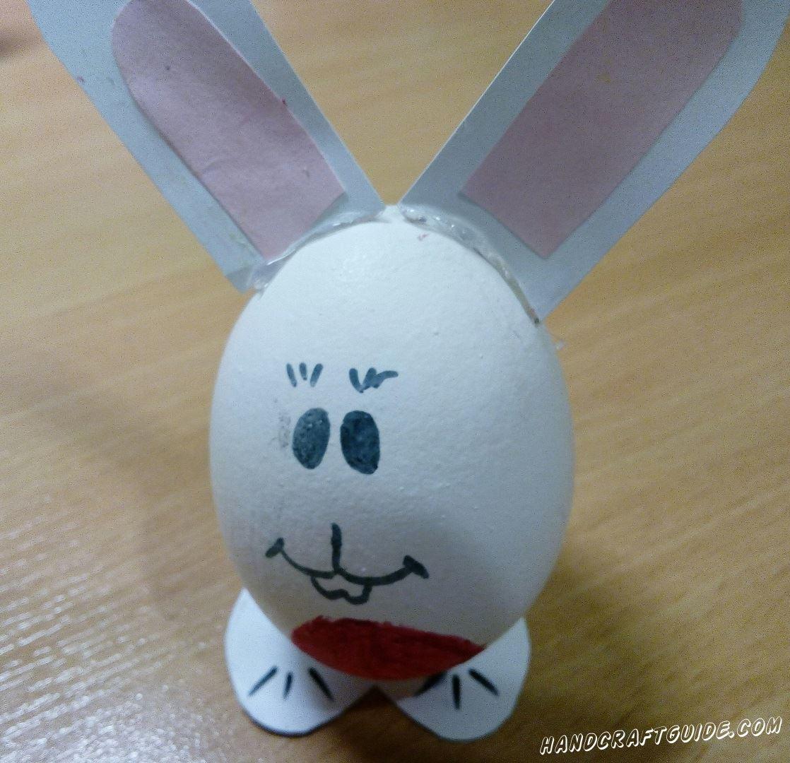 Готовимся к Пасхе и делаем отличную поделку, кролика из куриного яйца.