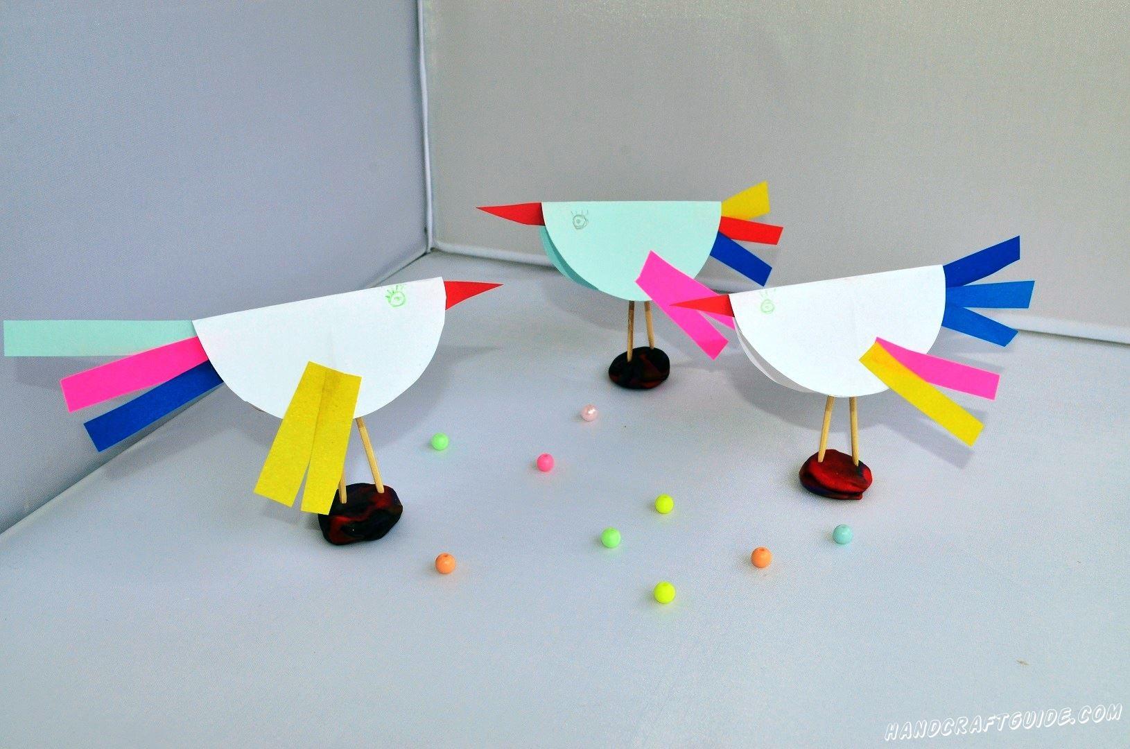 А что это за такие красивые птички из цветной бумаги к нам залетели? Такие птички могут быть и у вас, нужно приложить совсем немного усилий