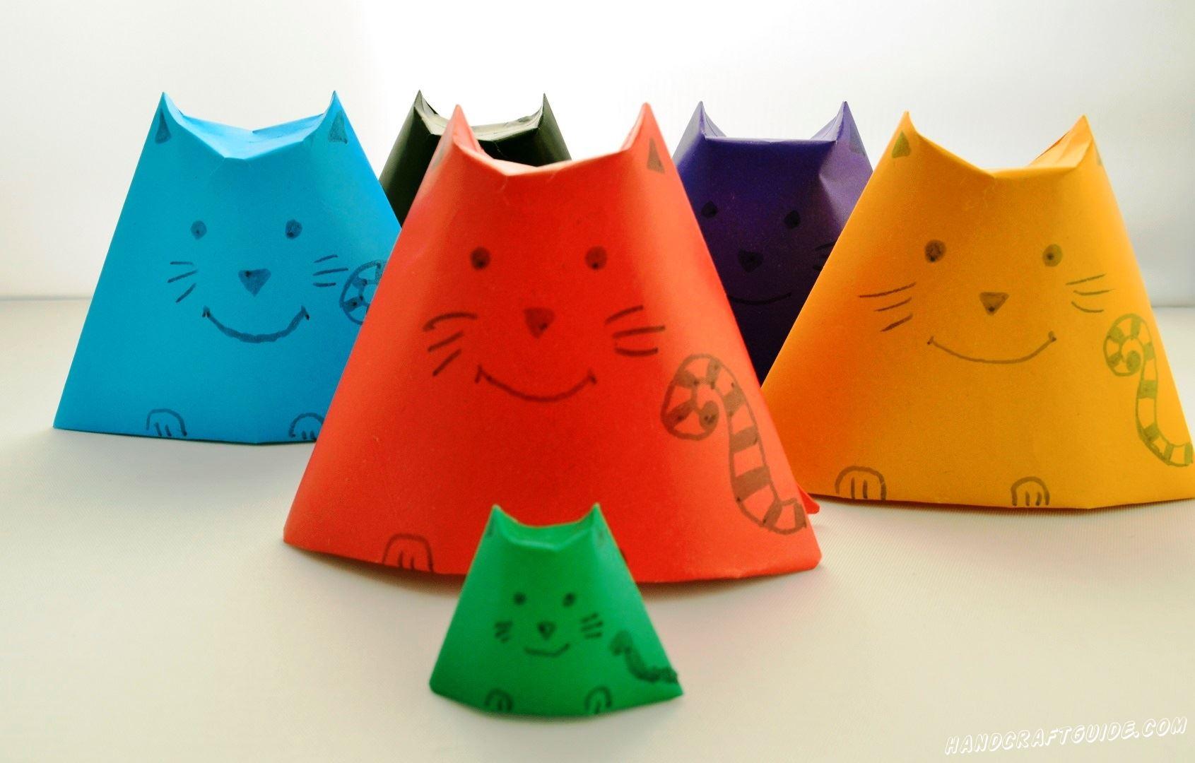 Оригами котята из цветной бумаги станут отличной игрушкой в вашей коллекции.