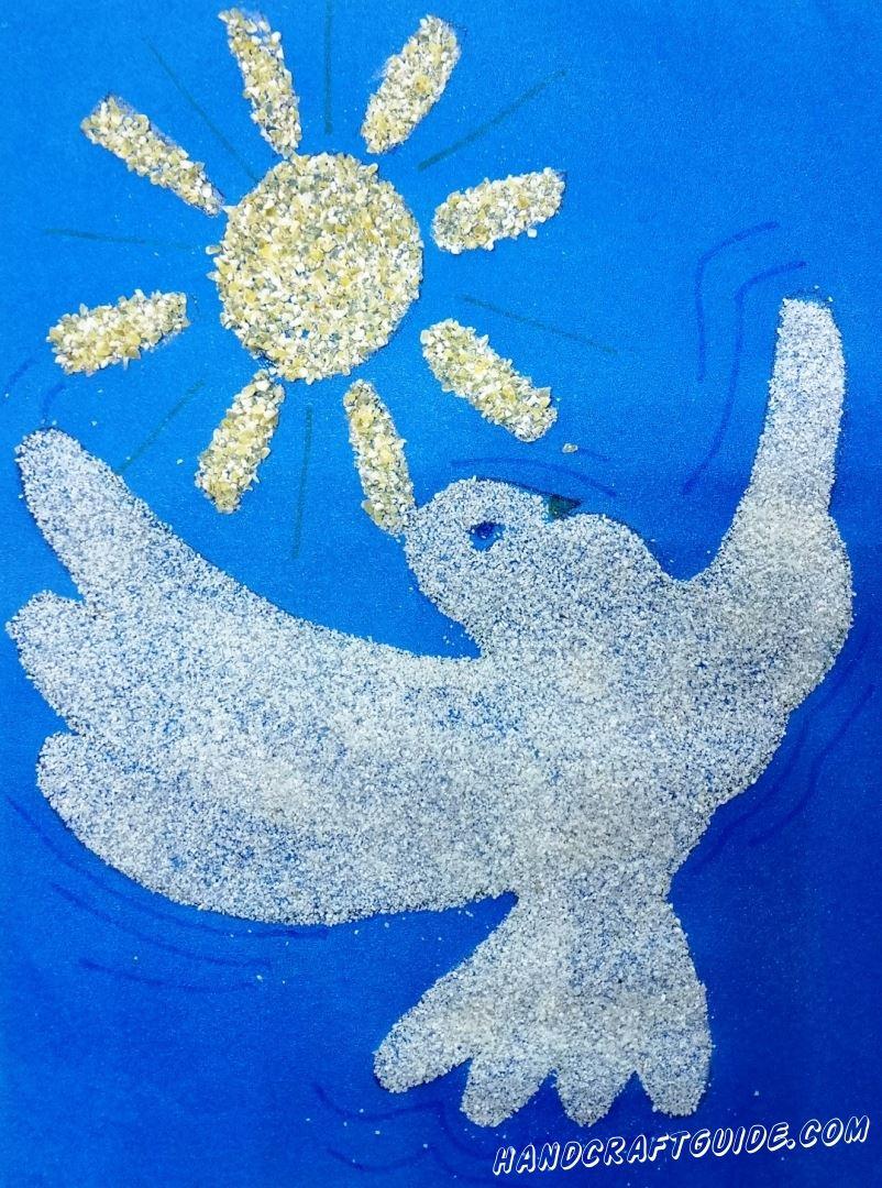 Символ добра и мира – белый голубь, летящий в безоблачном небе!