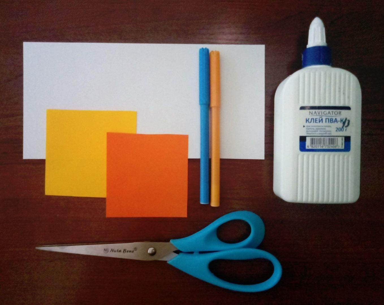 Для выполнения снитча нам понадобится: Цветная бумага Ножницы Клей Фломастеры (Карандаши) Фигурные ножницы