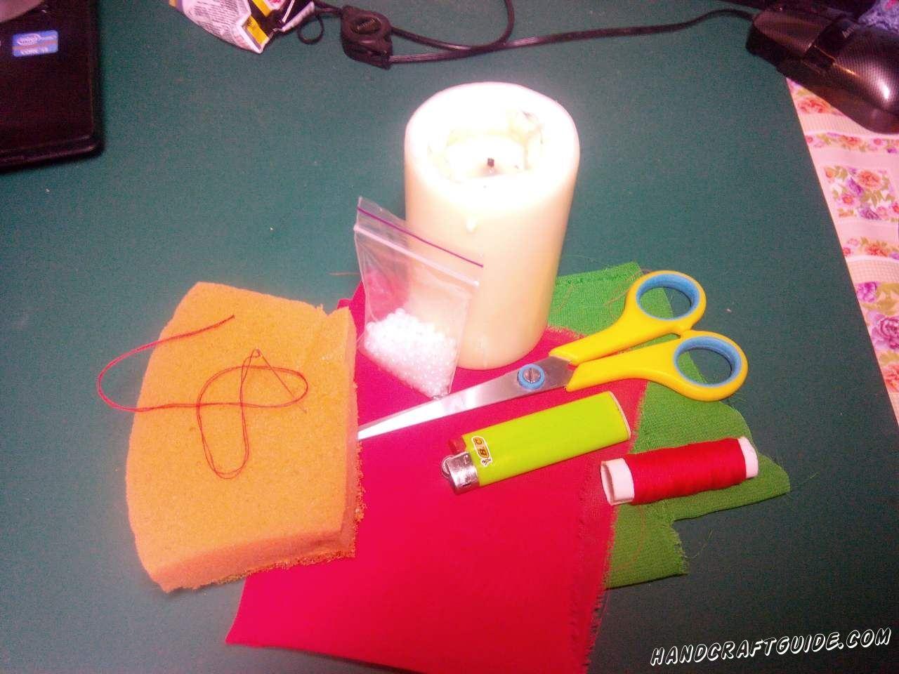 Для выполнения данной поделки нам понадобится: Цветная ткань Ножницы Зажигалка Нитки и игла Крупный бисер