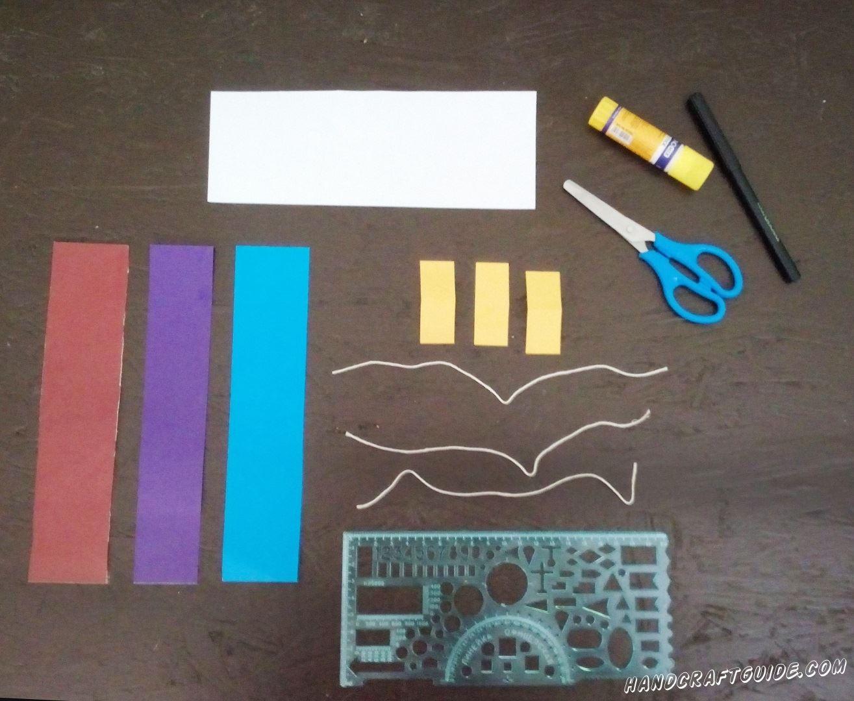 Из цветного картона вырезаем все необходимые нам детали, как на фото