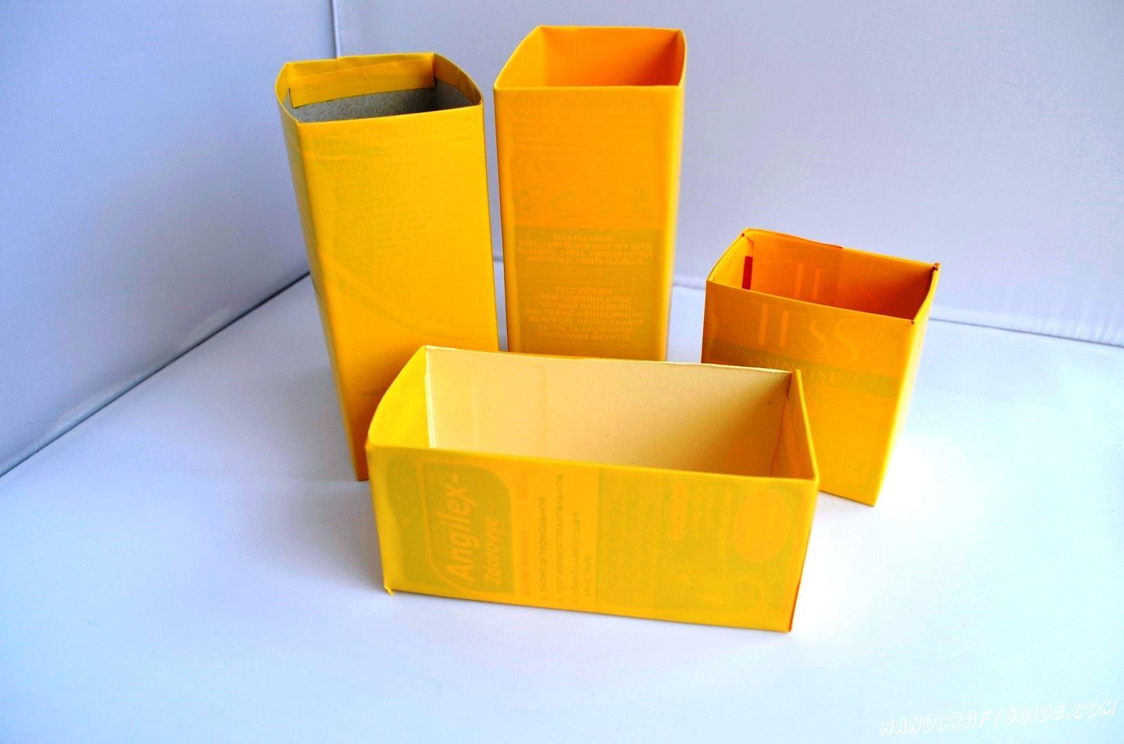 Склеиваем коробочки между собою и украшаем чем вам угодно (пайетки, бусинки, ленточки, мы даже вырезали бумажную бабочку)
