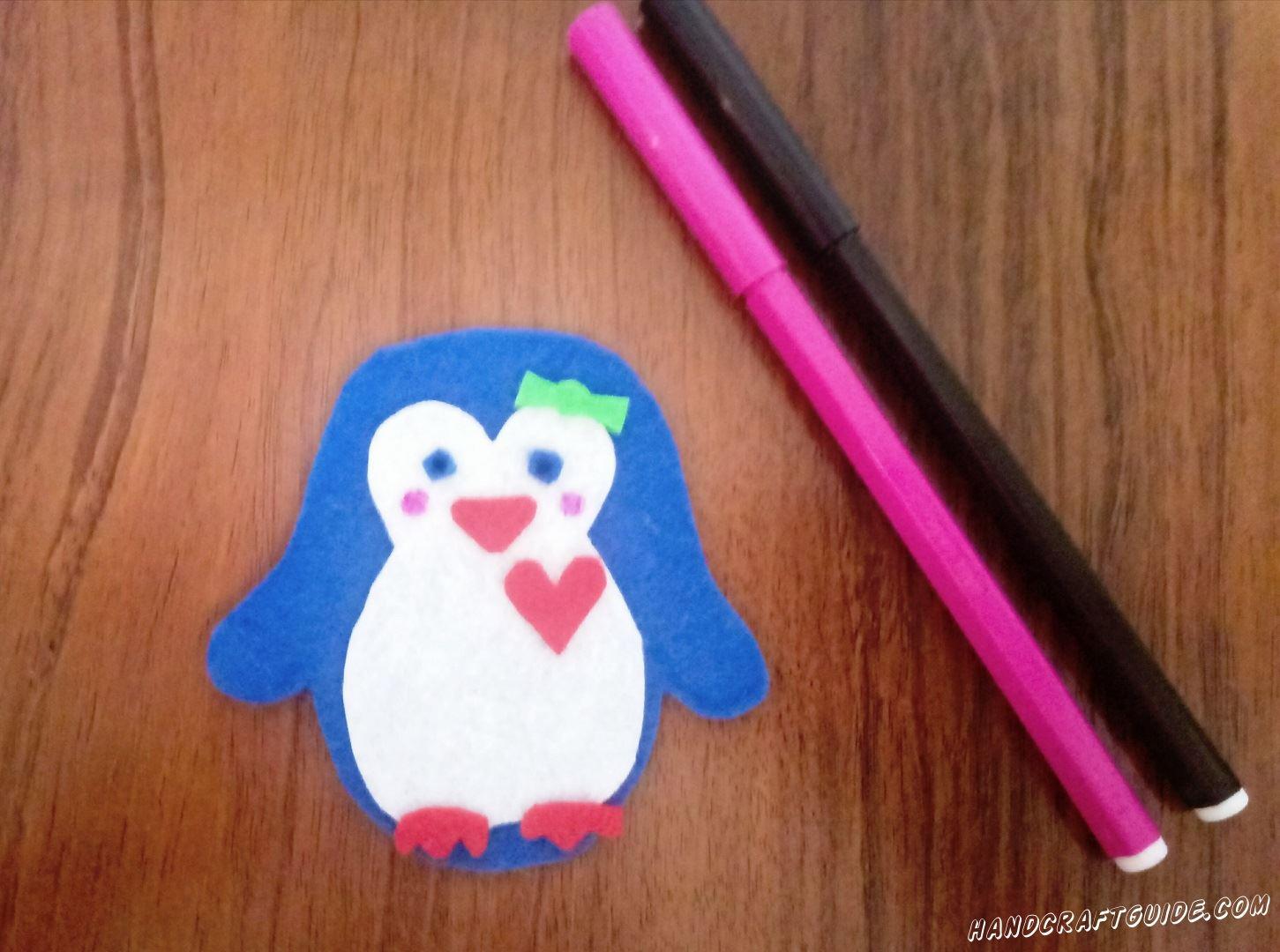 фигурка пингвина из ткани