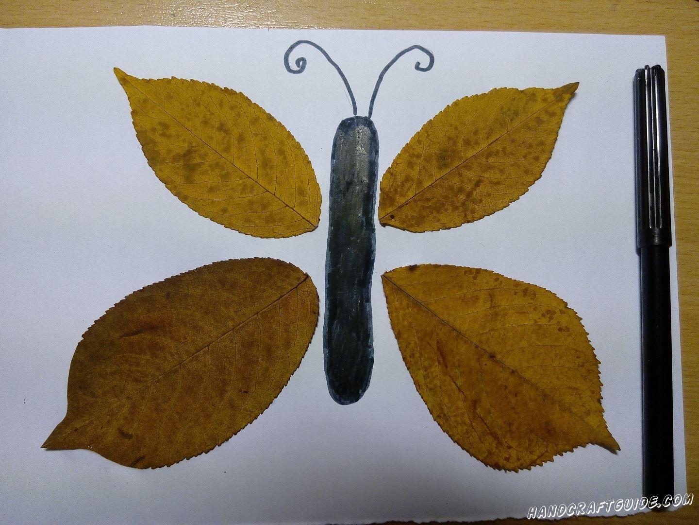 бабочка из осенних листьев