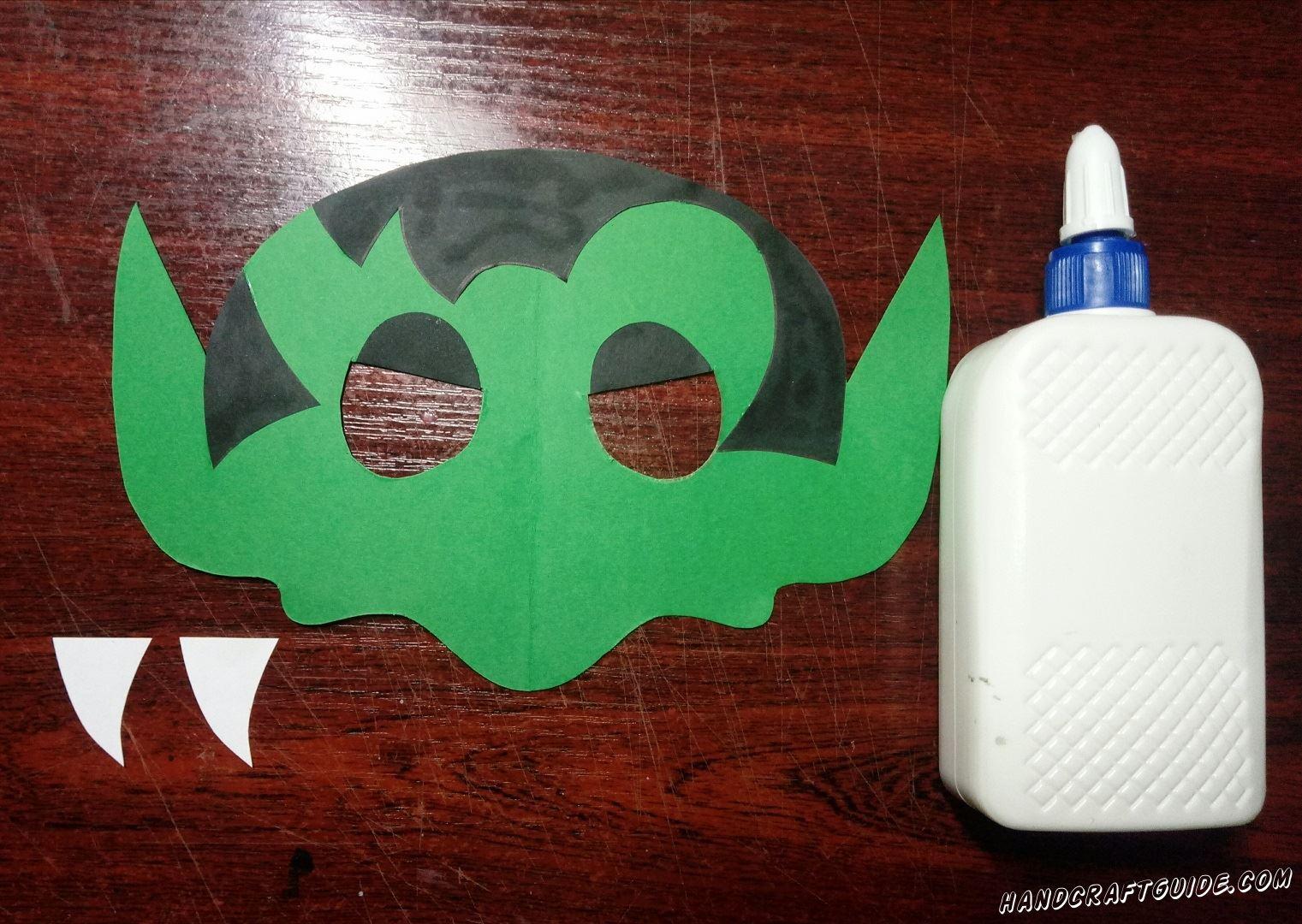 маска на хэллоуин из бумаги