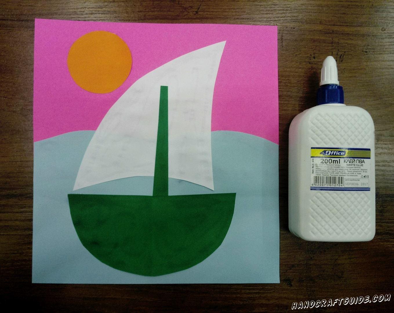 Осталось только приклеить солнышко, в уголке, и красиво разрисовать фломастерами
