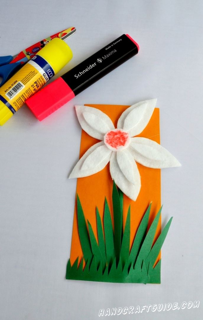 поделка для детей цветок