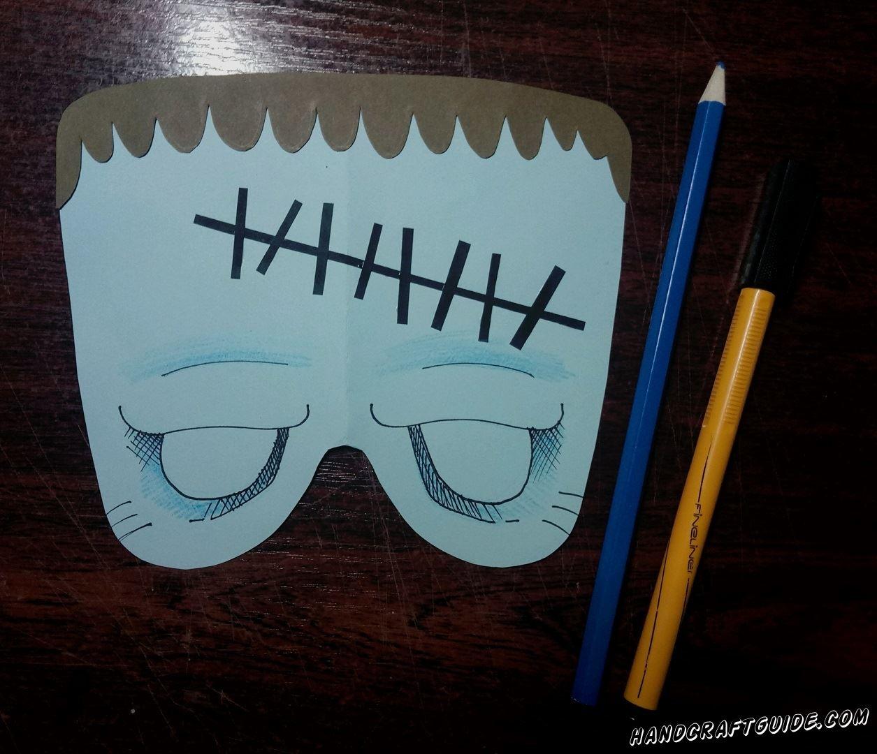 Разрисовываем лицо зомбика