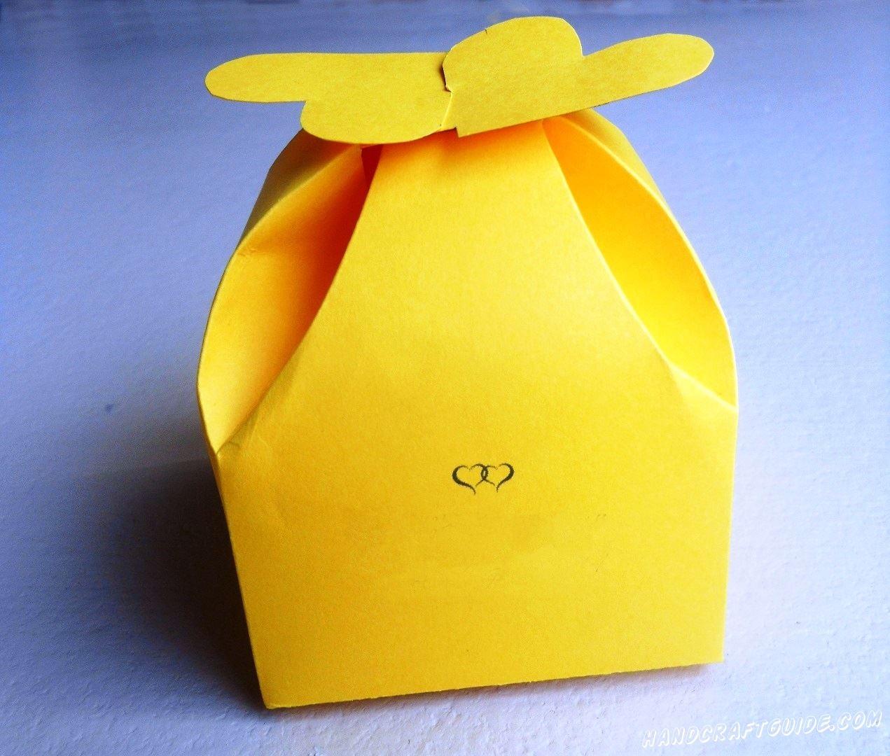 Неважно, что внутри, такой коробочкой вы уже покорите сердца. Любите друг друга!