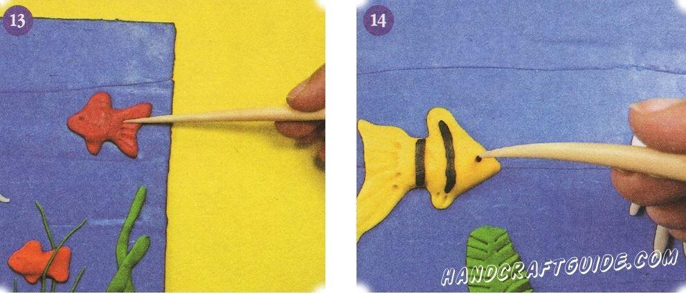На плавниках и хвостах всех рыб также сделайте насечки, а также сделайте глазные пазы острым концом стека. Украсьте желтую рыбку черной полоской и не забудьте добавить маленькие черные шарики в глаза.