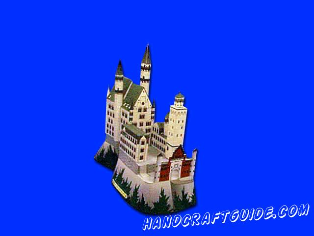 Замок Нойшванштайн спрятан аж в Баварии, но мы можем его перенести прямо к себе в комнату, с помощью бумажной объемной фигуры, сделанной своими руками. Осталось только скачать файл и следовать пошаговой инструкции.