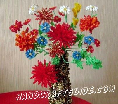 Цветы в вазе всегда украсят вашу комнату и придадут хорошего настроения! Так давайте же сделаем такую поделку, из подручных материалов, прямо сейчас.