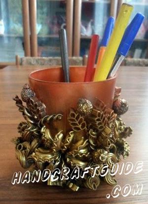 Отличная подставочка-стаканчик для ваших карандашей и ручек, которую мы сделаем своими руками, прямо сейчас!