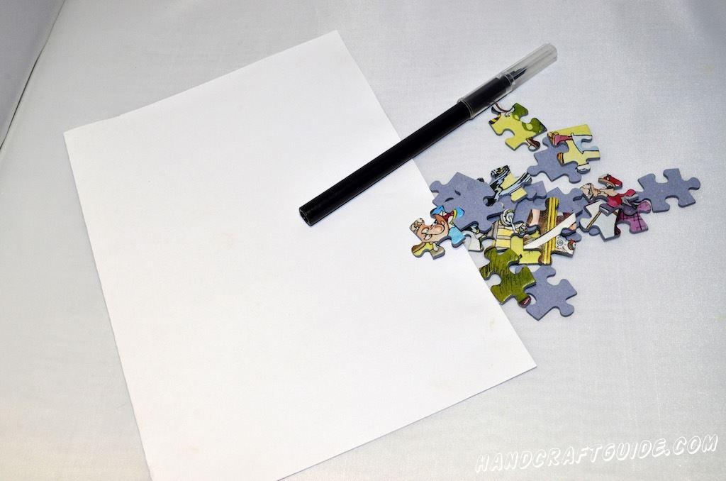 Для нашего волшебного дерева нам понадобится:  Лист А4(цвет выбирайте на свое усмотрение) Маркер Клей для бумаги Пазлы Краски