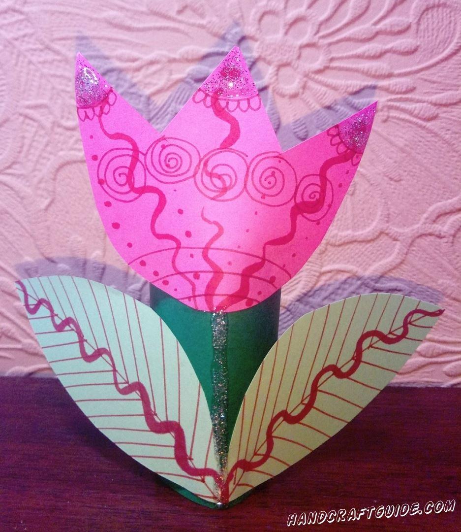 Порадуй себя или своих близких красивейшим цветком и бумаги, который мы сделаем своими руками.