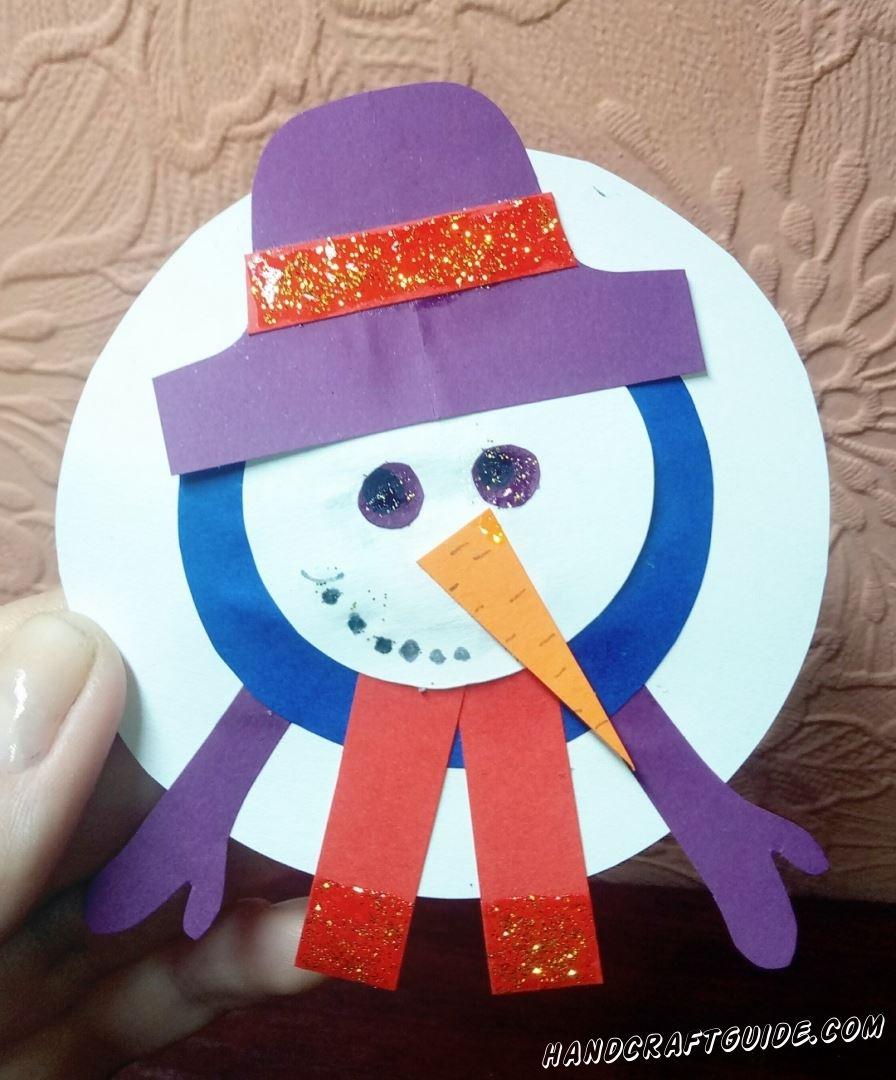 Друзья, а ведь мы можем сделать снеговика, даже когда на улице совсем нет снега. Хотите узнать как? Сейчас мы вам всё подробно расскажем.