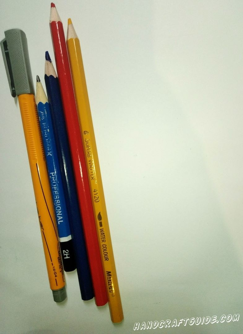 Нам понадобятся: Белая бумага, карандаши, маркер