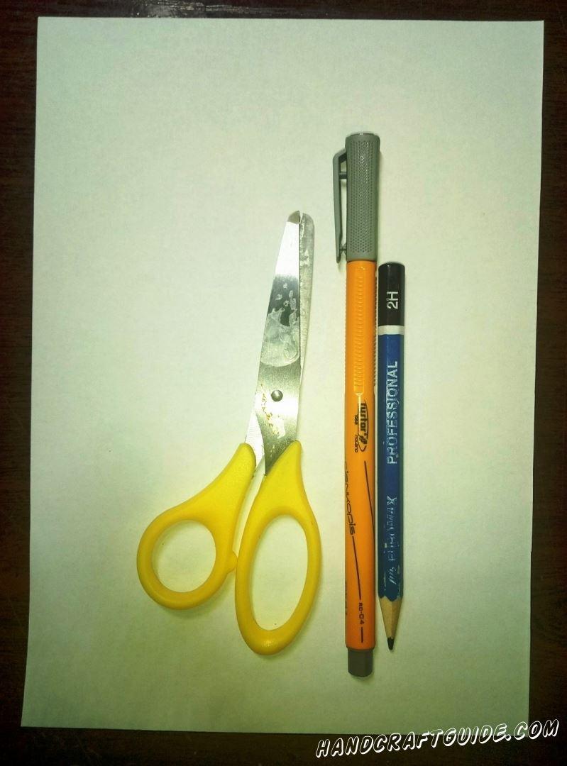 Для выполнения поделки нам понадобится: Белая бумага Ножницы Фломастеры (Карандаши)
