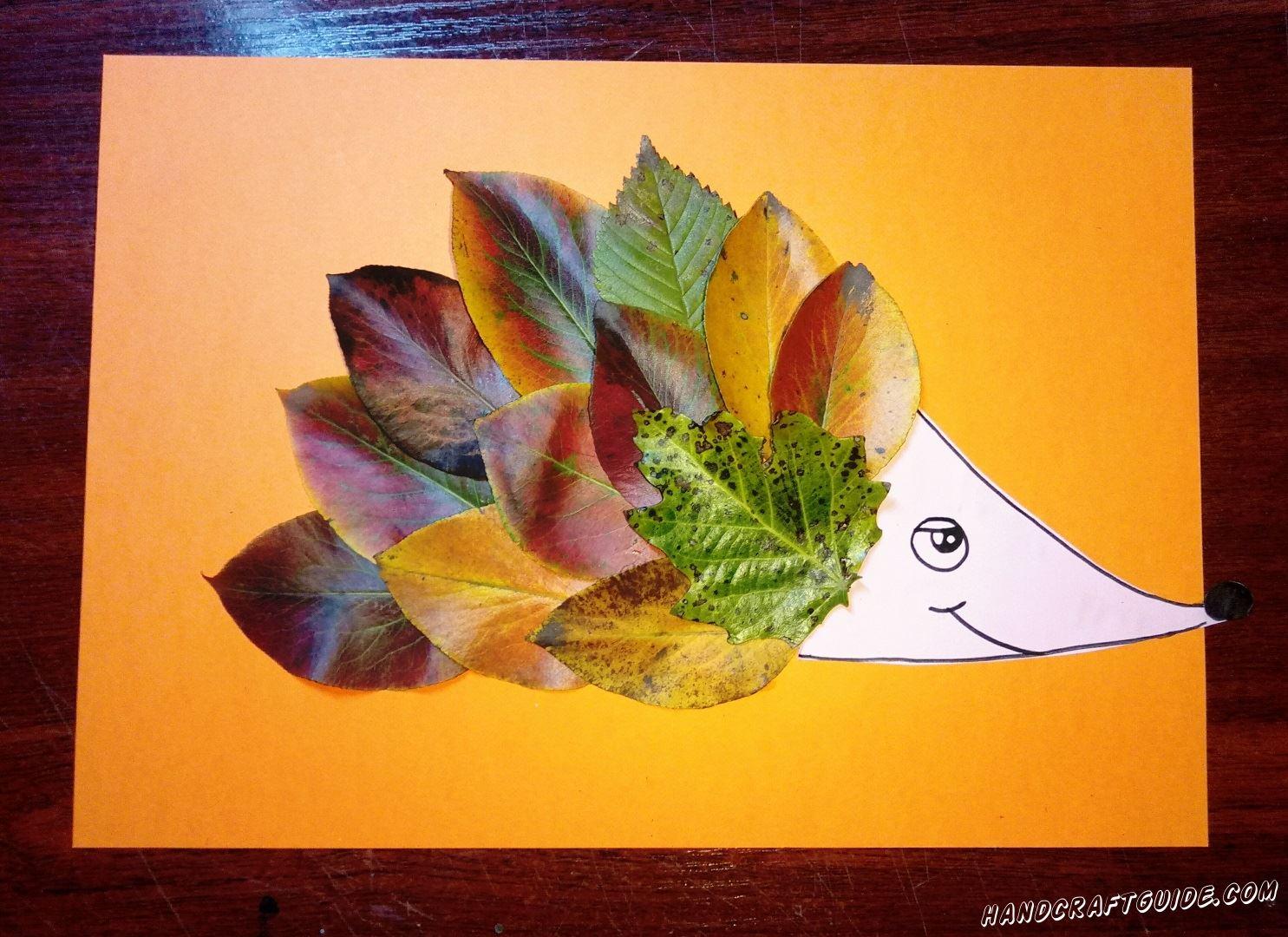 простая аппликация ёжика из осенних листьев