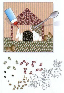 После нанесения клея вы можете воспользоваться маленькой ложечкой, чтобы лучше и плотнее скомпоновать зёрнышки между собой. Дайте вашей поделке высохнуть. Переверните картину, чтобы стряхнуть лишние крупинки. Покройте поделку лаком.