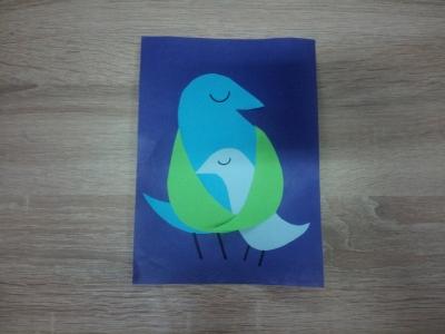 Давайте сделаем замечательную поделку с птичками из цветной бумаги, прямо сейчас.