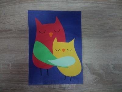 Замечательные птички из цветной бумаги, которые олицетворяют настоящую материнскую любовь.