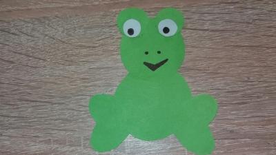 Ква ква! Как Вы могли догадаться, сейчас мы сделаем лягушку из цветной бумаги