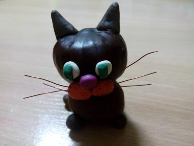 Игрушка с маленьким котиком из каштанов, специально для вас!
