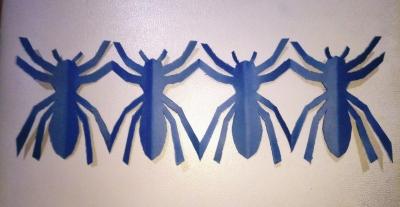 Доброго времени суток, друзья! Сегодня мы украсим свой дом гирляндой из пауков, сделанной своими руками.