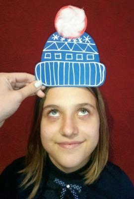 Наступают холода, а значит нам нужно срочно утепляться. А чтобы показать маме какую шапку мы хотим чтоб нам купили не обязательно ходить по магазинам, нам просто нужно немного фантазии.
