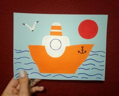 Аппликация из бумаги, на которой корабль тихо плывёт в море, появится у нас в скором времени.