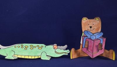 Бумажная игрушка с медвежонком, который дарит подарочек – это самое милое что можно подарить и бумаги.