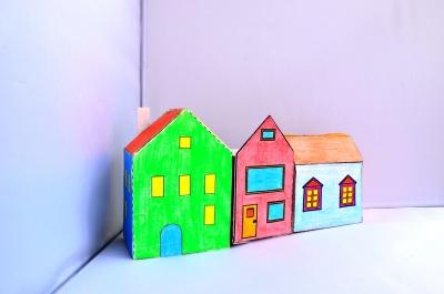 Мечтаешь стать архитектором? Тогда тебе нужно начать строить свои первые дома из бумаги уже сейчас.