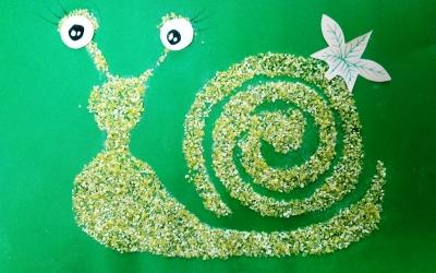 Аппликация Улитки из кукурузной крупы для детей