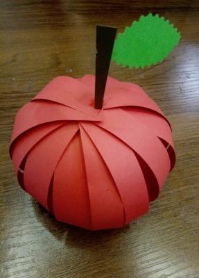 поделка яблоко для детей в школу