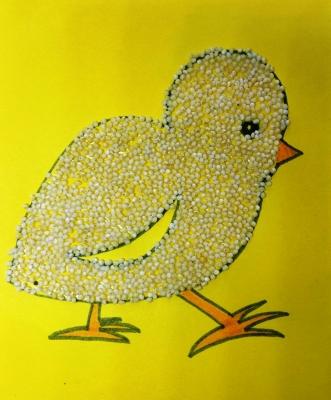 Обычно курочки и цыплята любят крупу кушать, но мы сделаем цыплёнка из пшена, своими руками.
