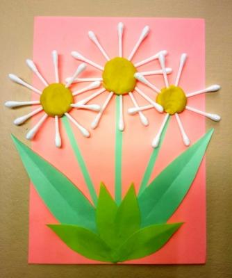 Цветы из ватных палочек и бумаги