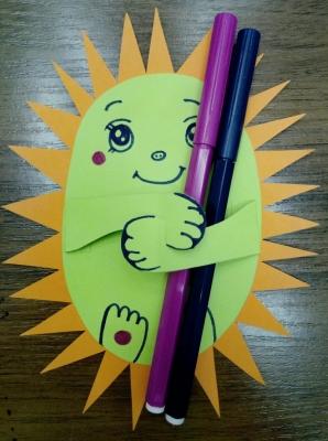 Давайте добавим в наш день немного солнышка из цветной бумаги