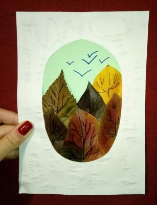 Красивейшую картину  с осенним лесом, мы сделаем из опавших листочков.