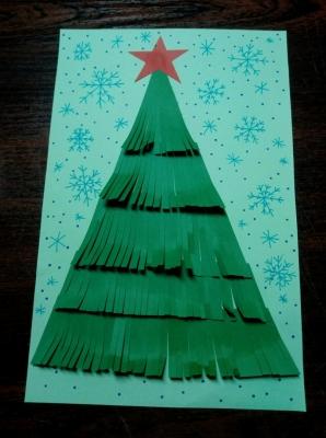 Пушистая ёлочка из цветной бумаги украсит ваш дом не хуже живой!