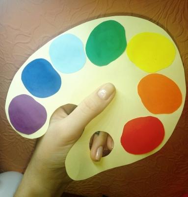 Учим цвета радуги на палитре из цветной бумаги, сделанной своими руками.